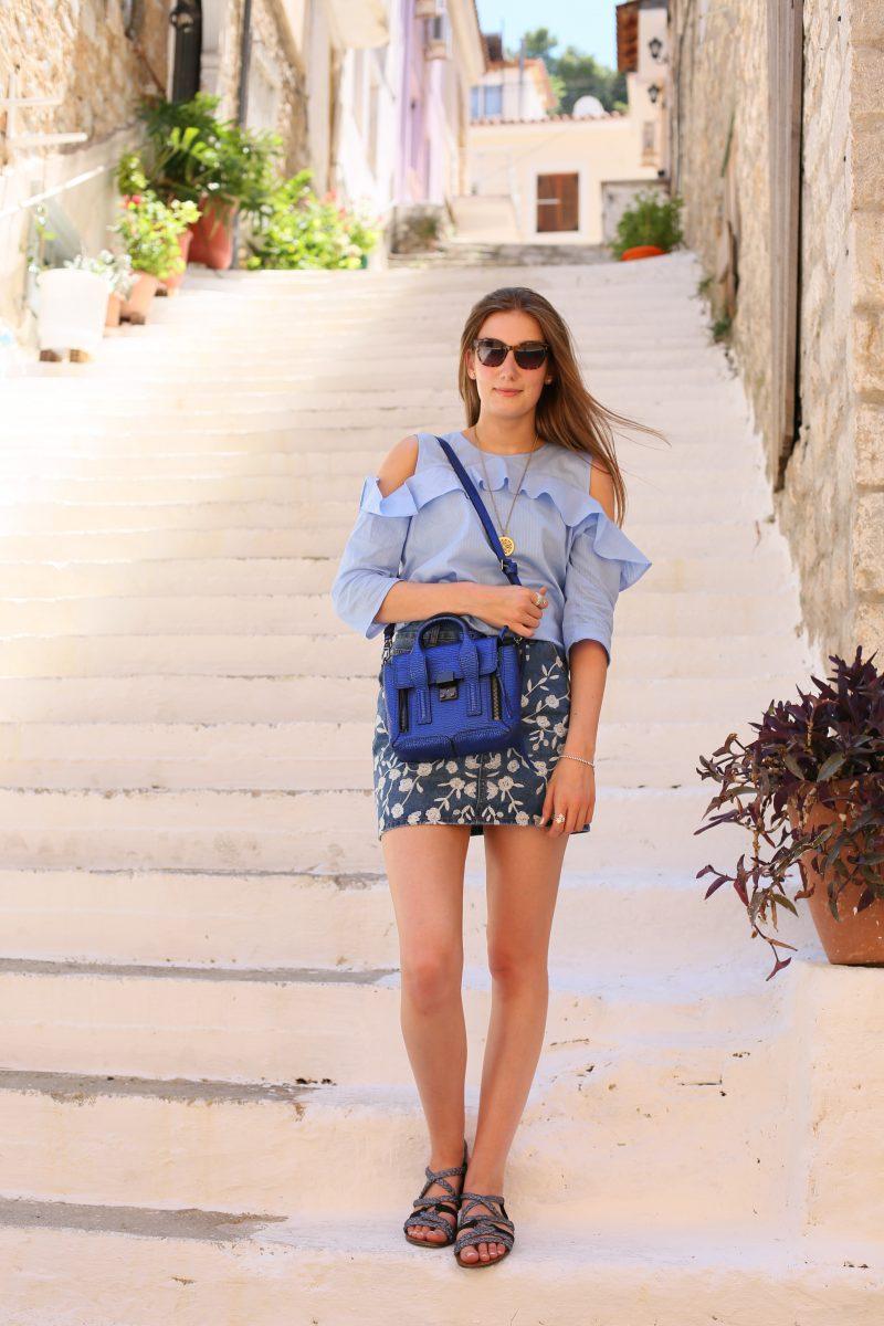 Holly Victoria Blue Fashion